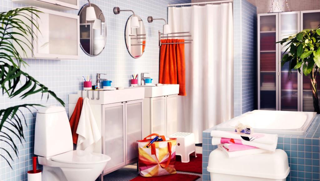 Цветные акценты в ванной