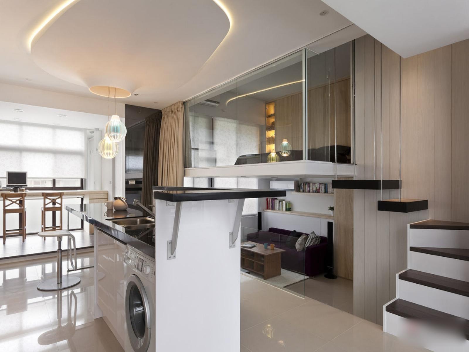 Совмещенная гостиная и спальня в стиле хай тек