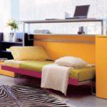 Кровать и рабочее место