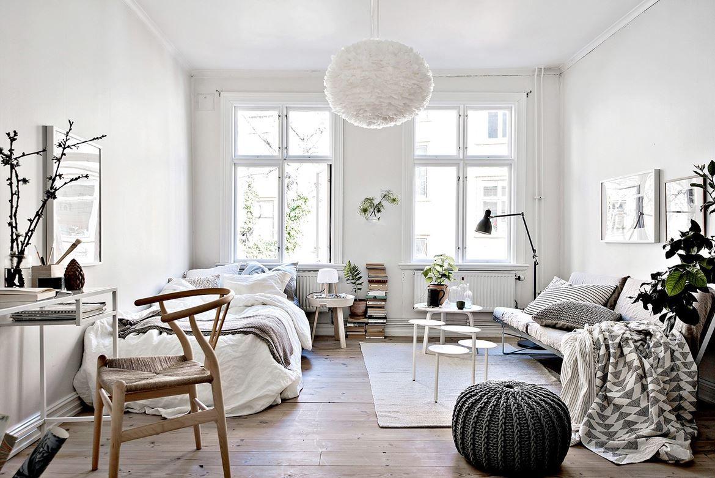 Совмещенная гостиная и спальня в скандинавском стиле