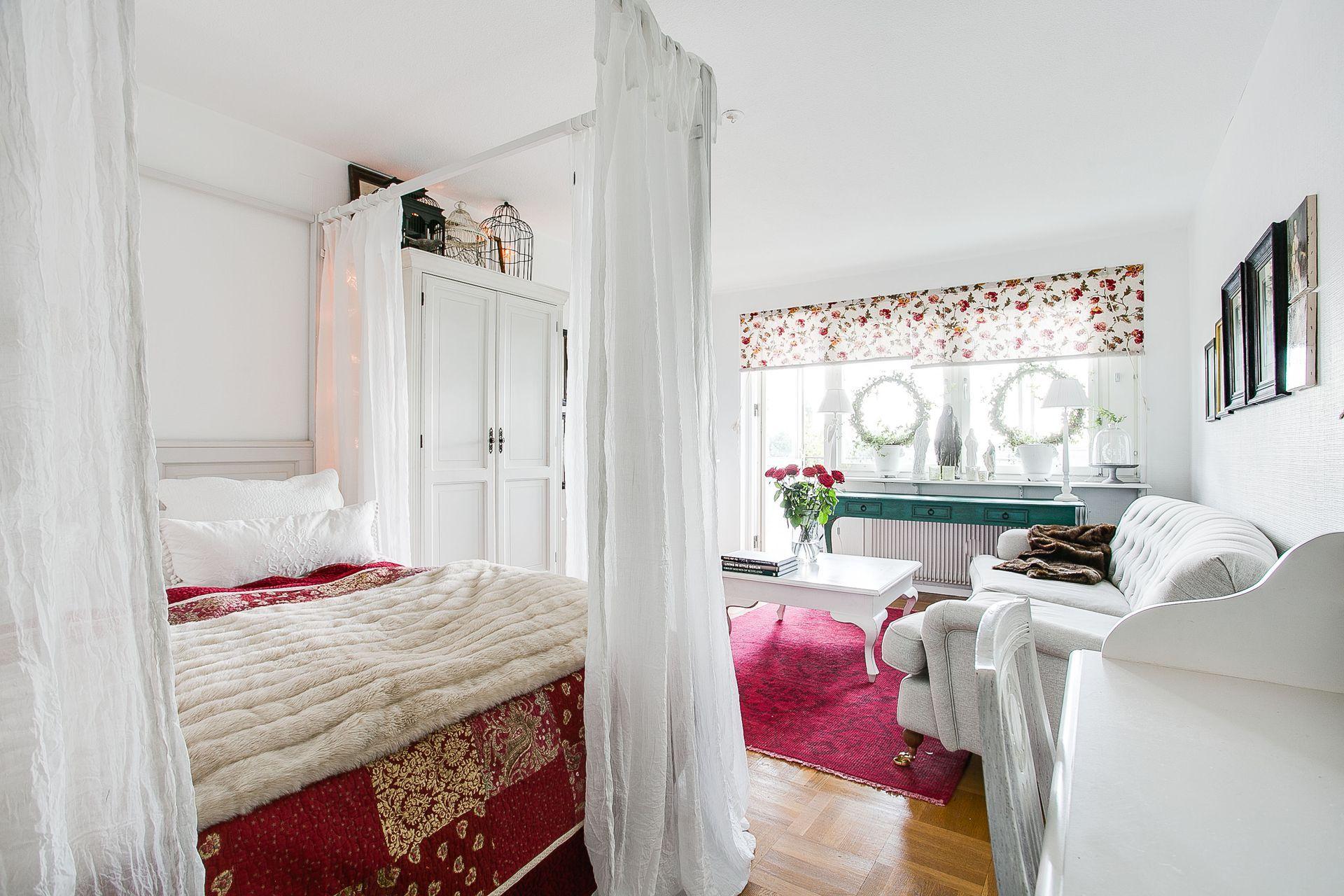 Дизайн однушки с двумя детьми и кроватью