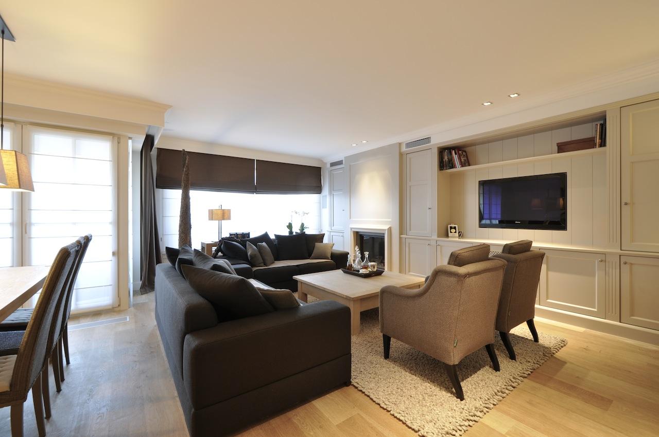 Бюджетный ремонт в однокомнатной квартире с мебелью в гостиной