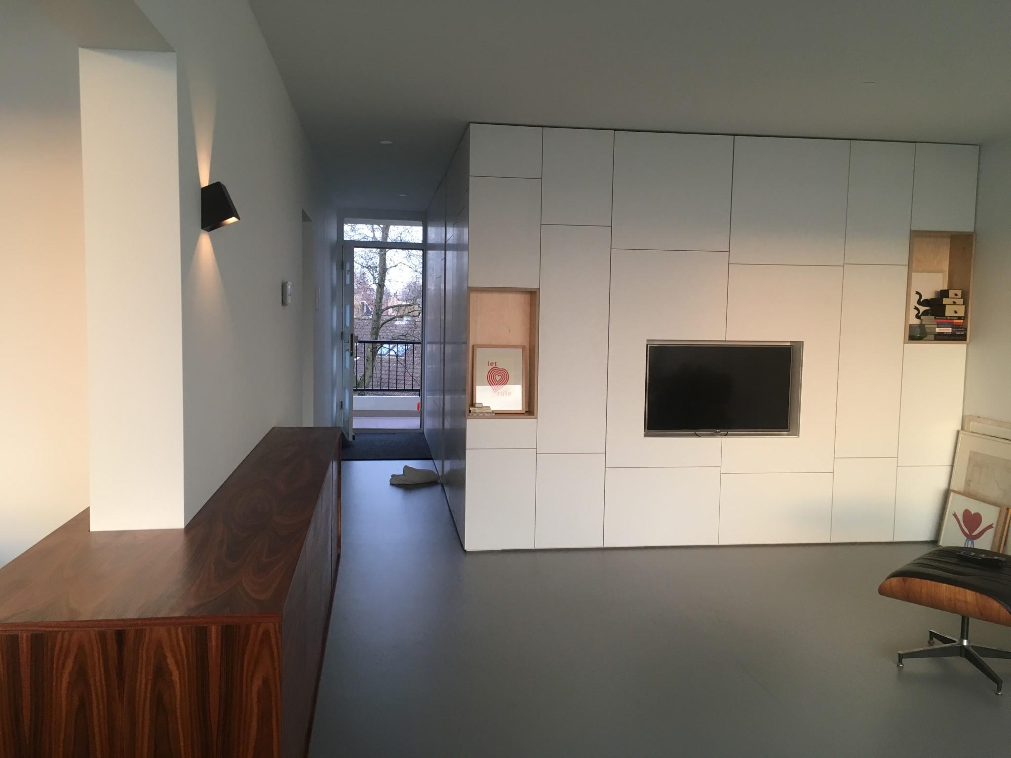Бюджетный ремонт в однокомнатной квартире с модульной мебелью