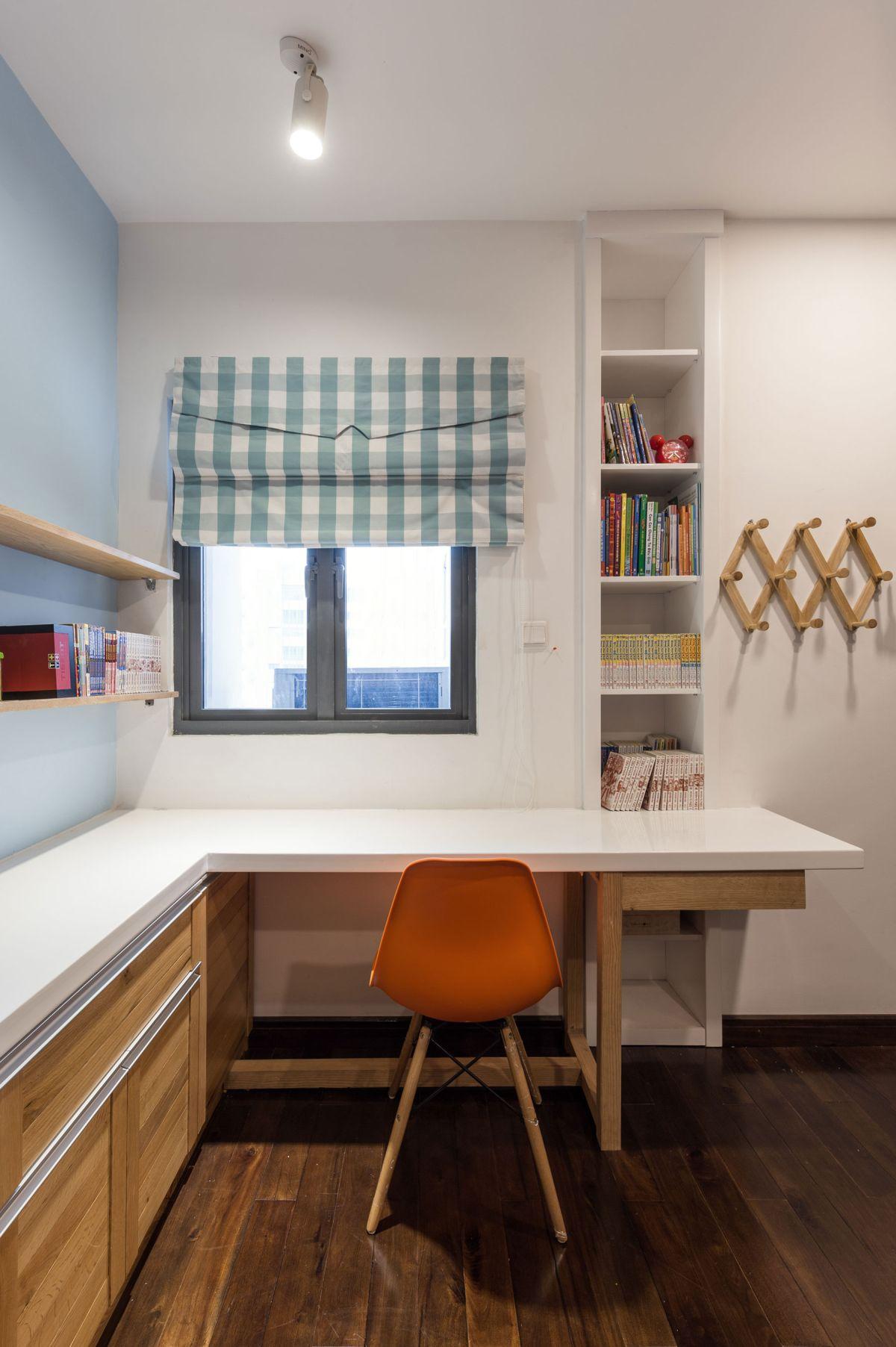 Дизайн однушки с детской и столом