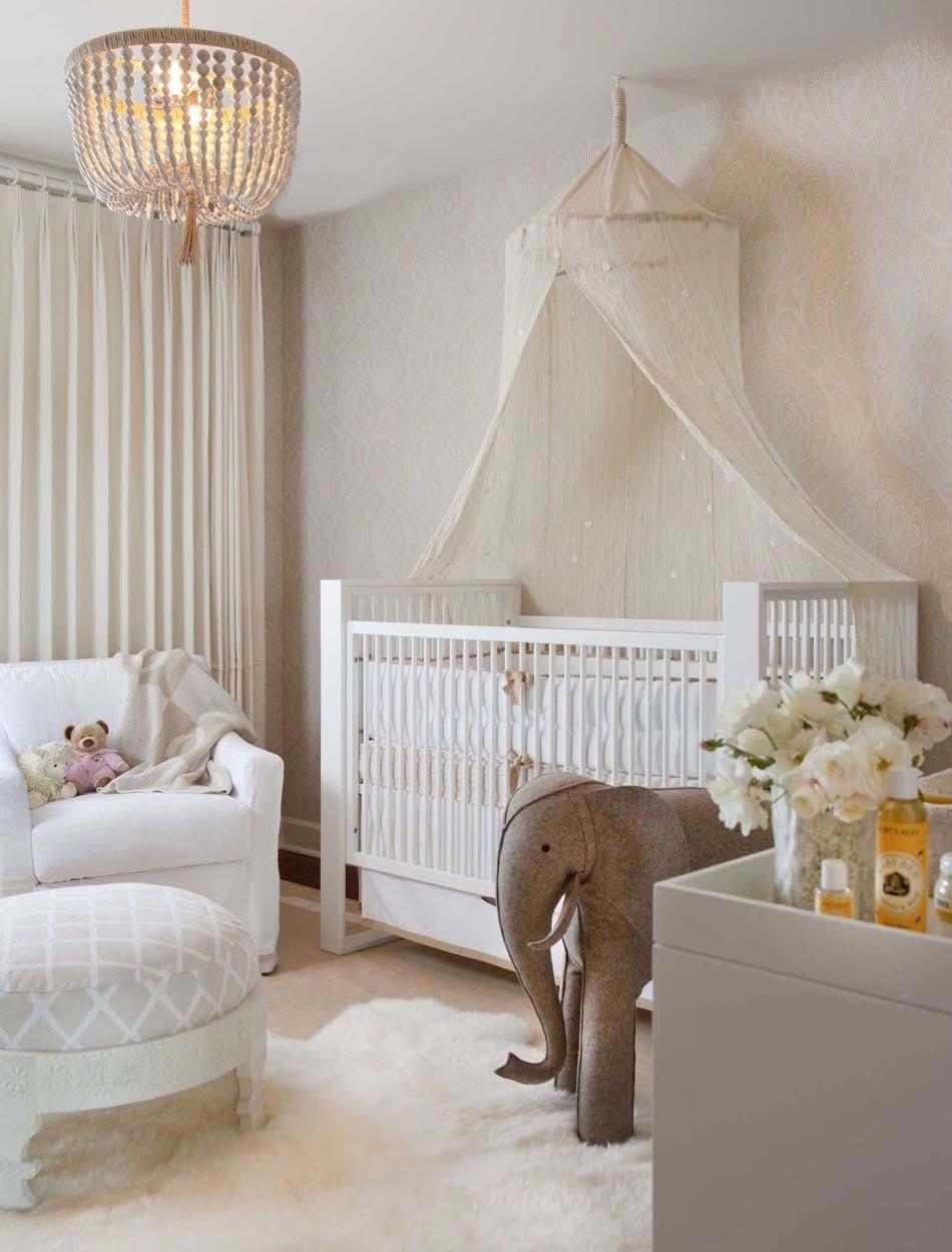 Детская зона для новорожденного белая
