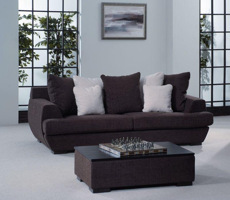 Чёрно-белый диван