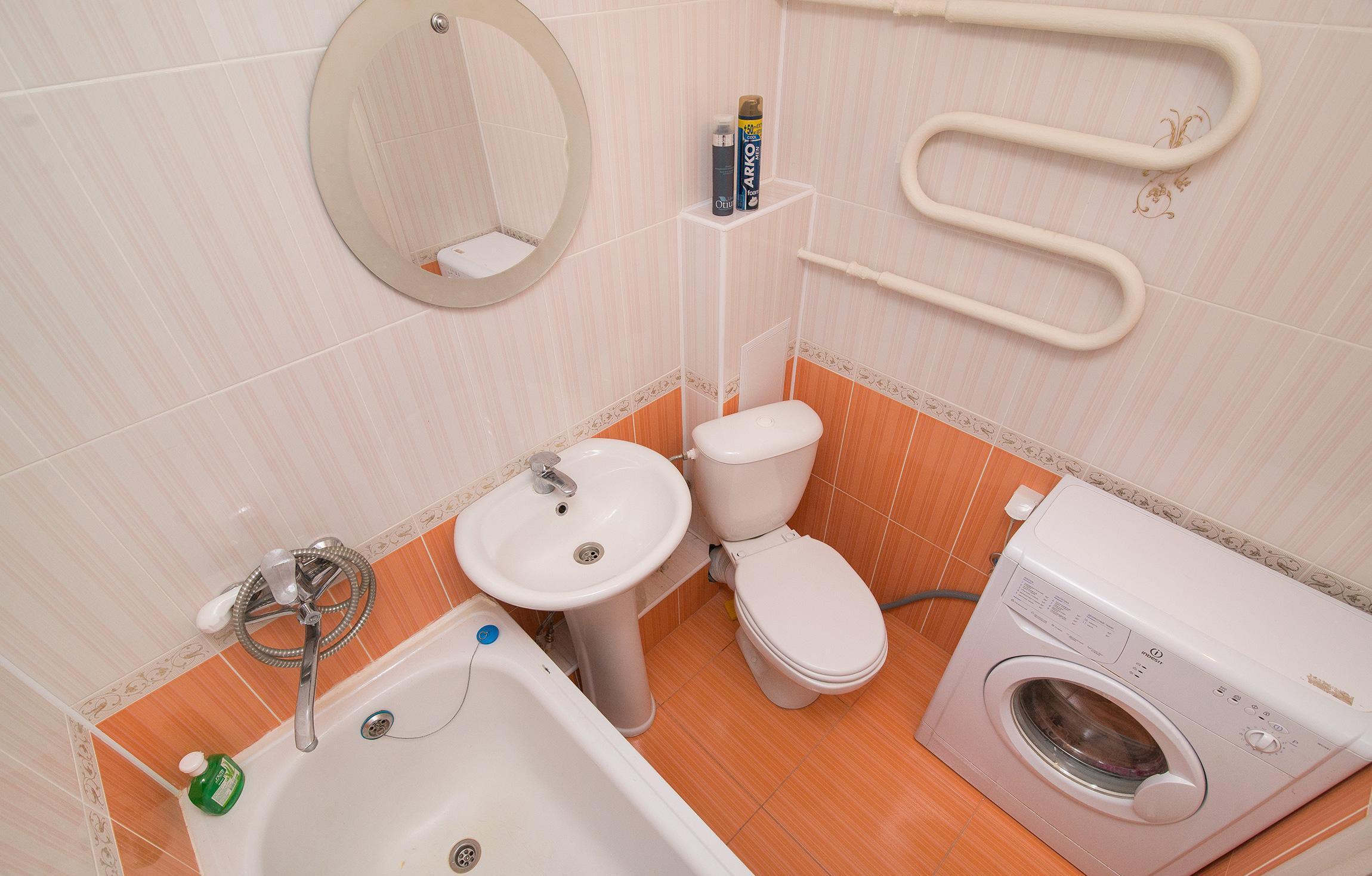 Стиральная машина в ванной комнате 4 кв м