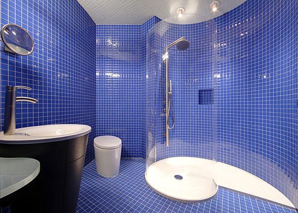 Синий цвет в интерьере ванной