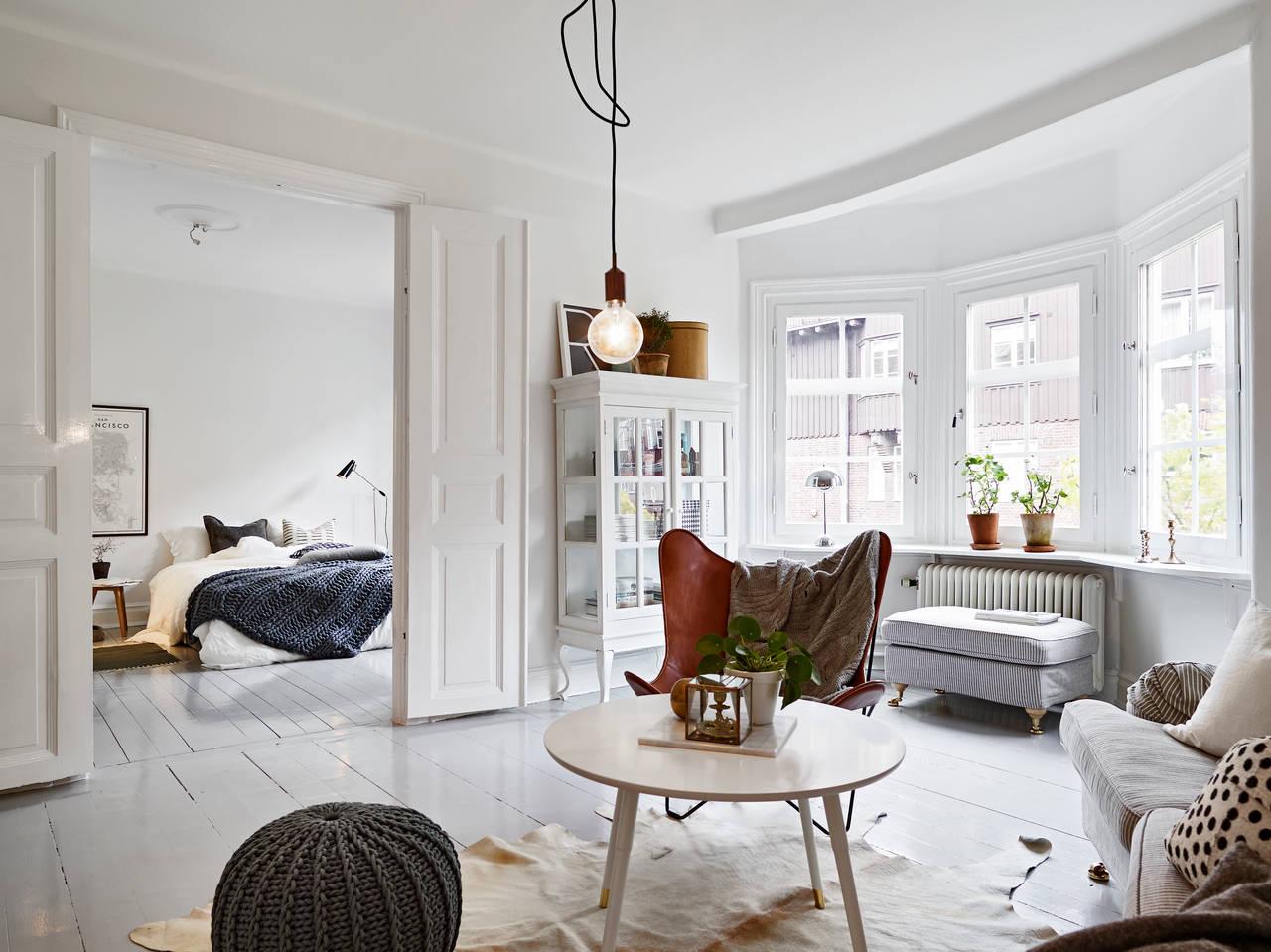 Обстановка однокомнатной квартиры с эркером