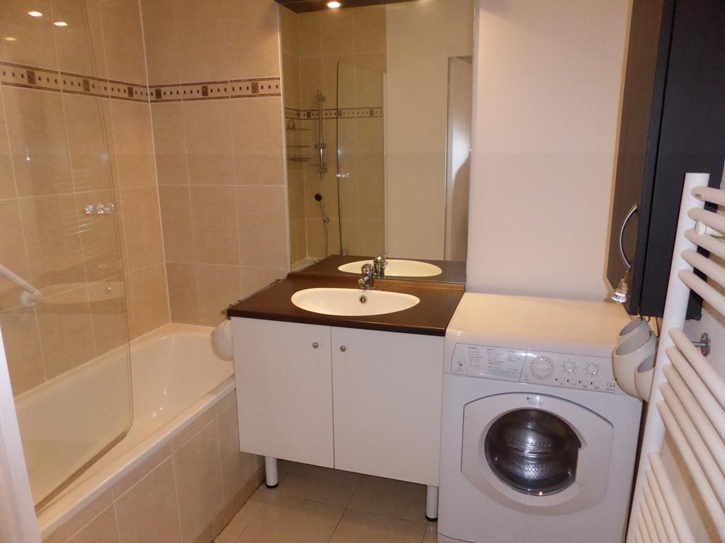 Стиральная машина в ванной комнате хрущевки
