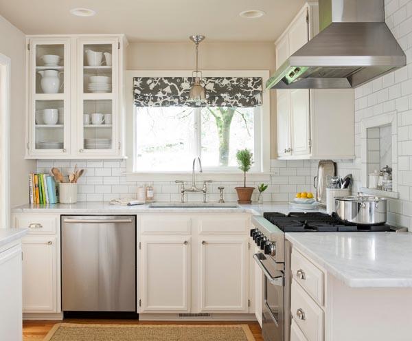 Гарнитур на маленькой кухне