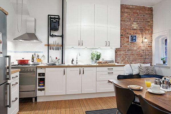 Светлая кухня гостинная