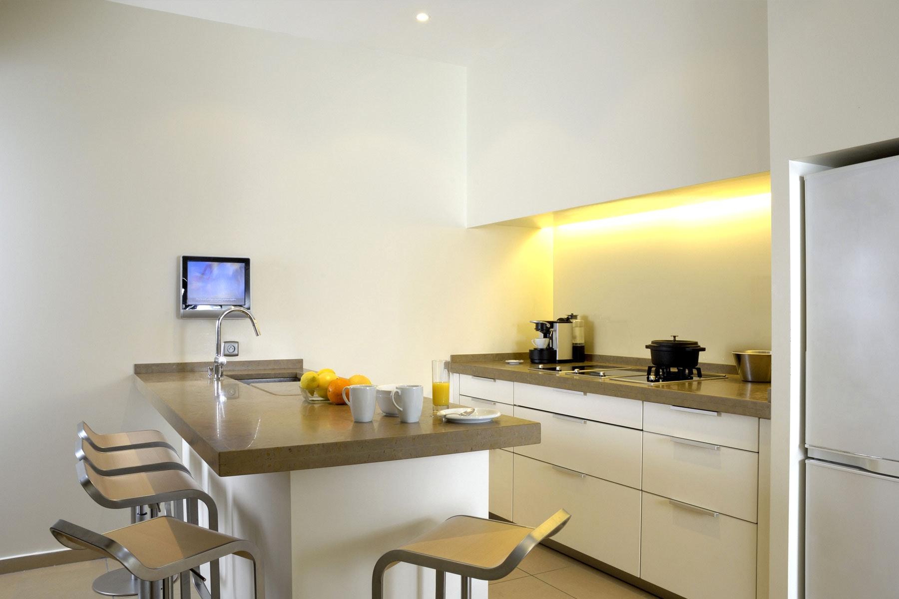 Обстановка однокомнатной квартиры с кухней
