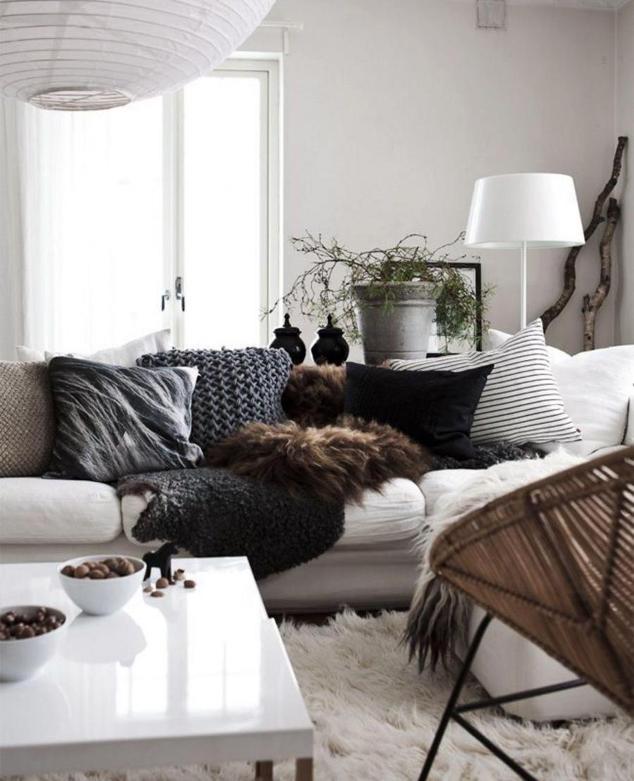 Обстановка однокомнатной квартиры и меховым декором