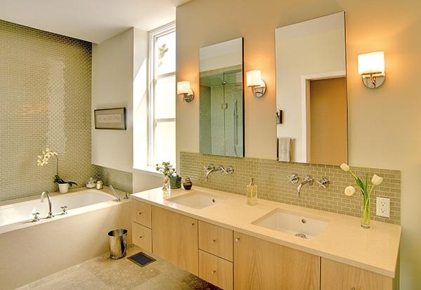 Свет и зеркала в ванной