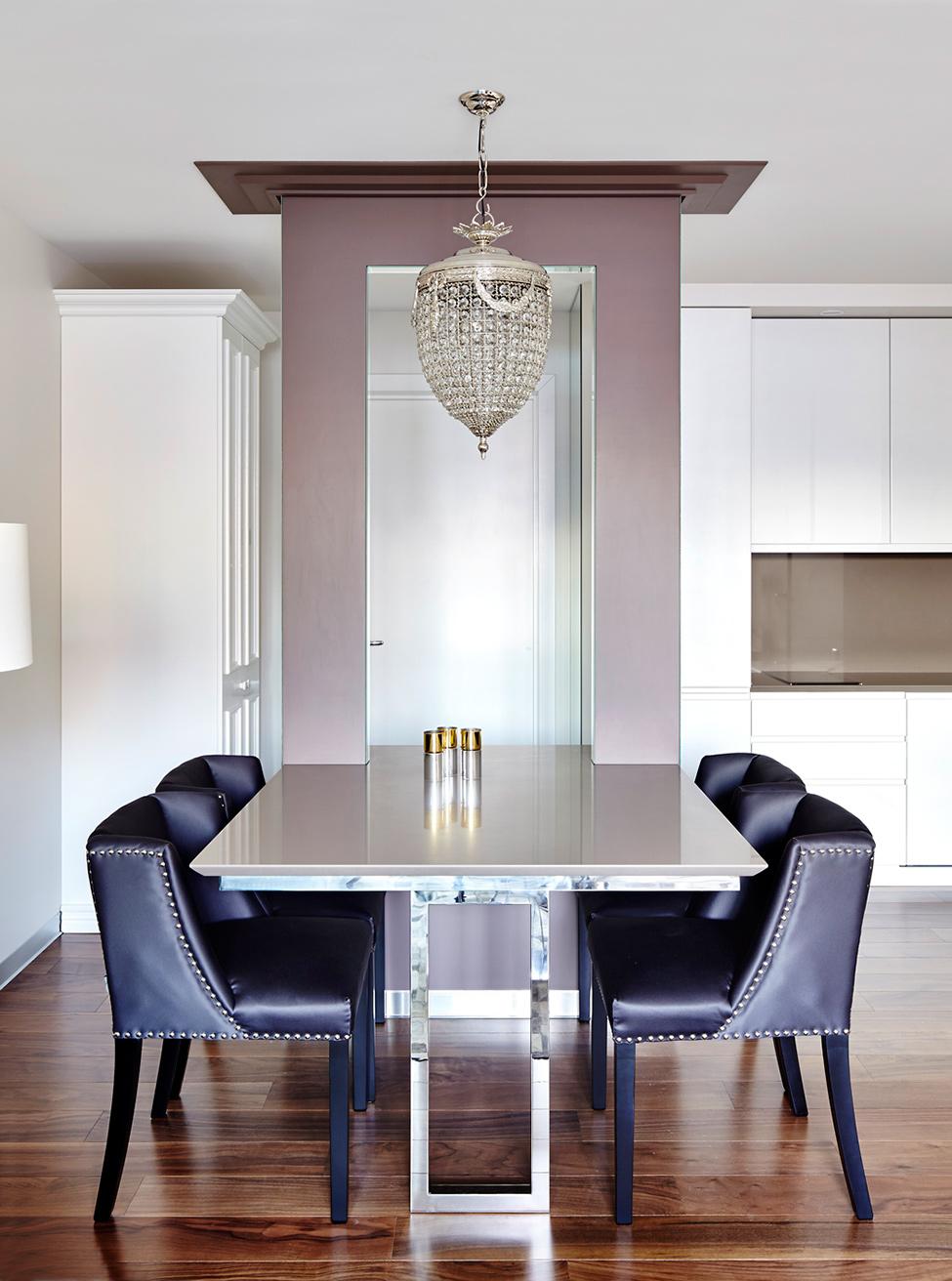 Обстановка однокомнатной квартиры со столовой