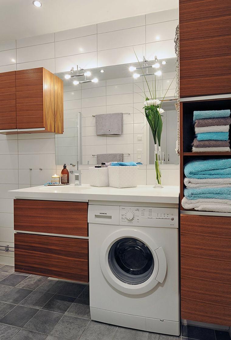 Стиральная машина встроенная в ванной комнате