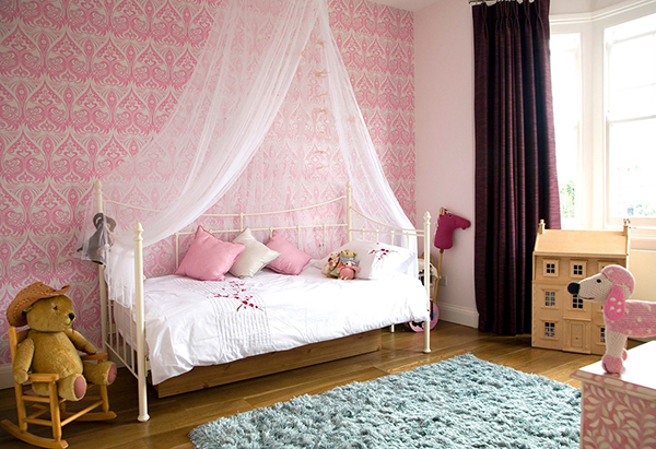 Детская для девочки с кроватью с балдахином