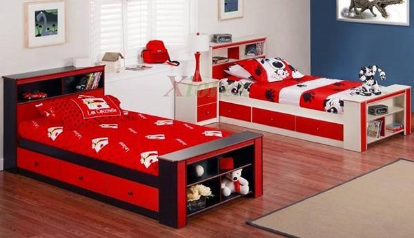 Красные кровати