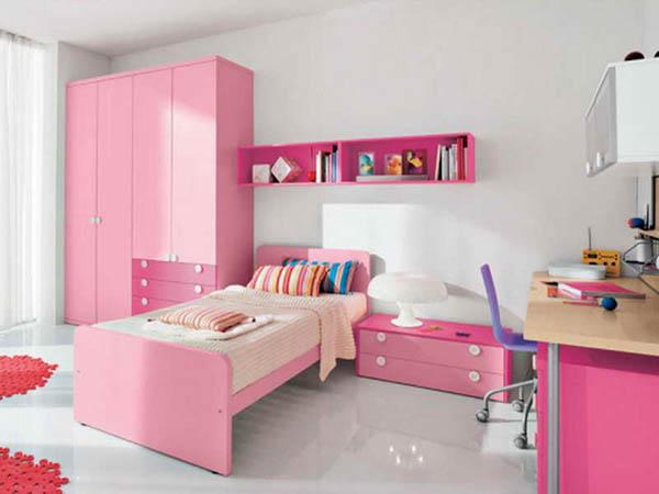 Детская для девочки с розовой мебелью