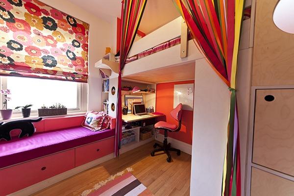 Детская комната разноцветная