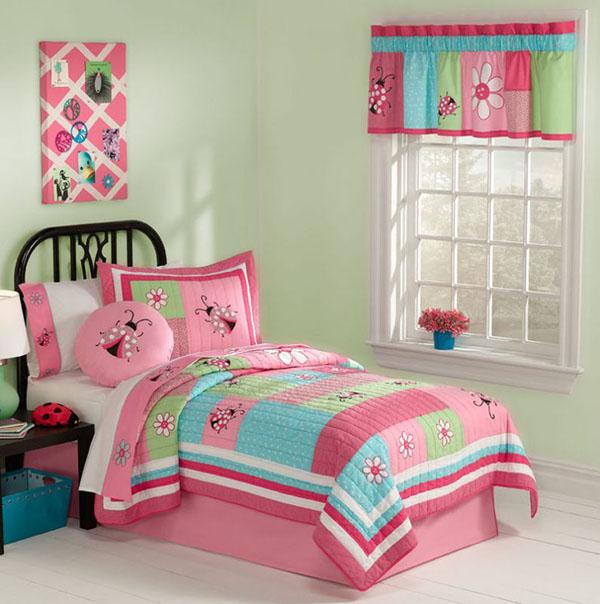 Детская для девочки с розовой кроваткой
