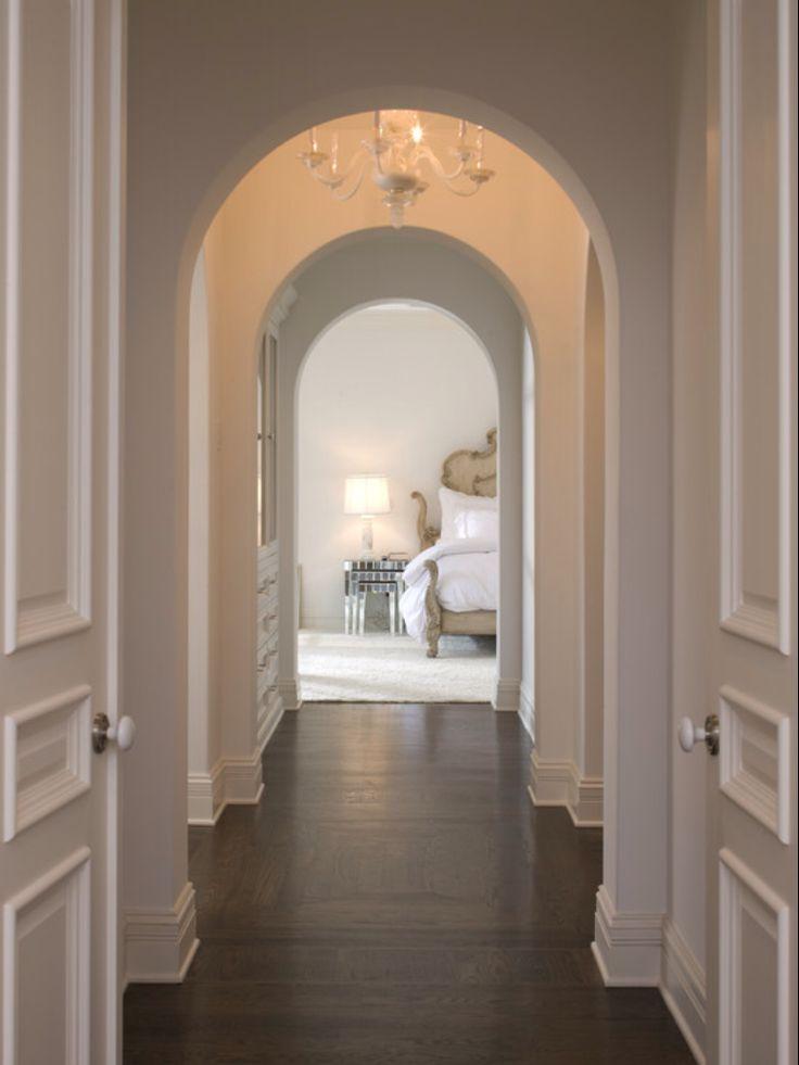 Дизайн коридора с аркой бетонной