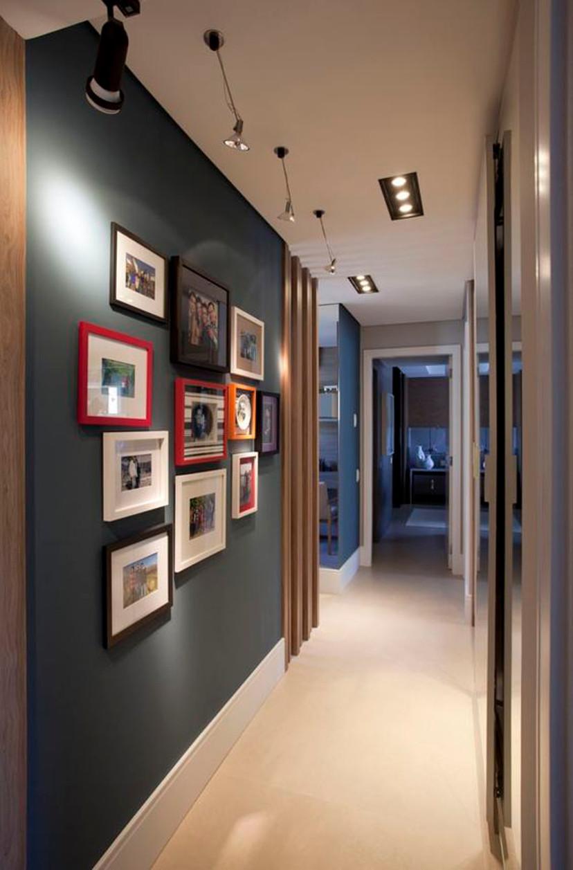 Черный цвет в интерьере коридора