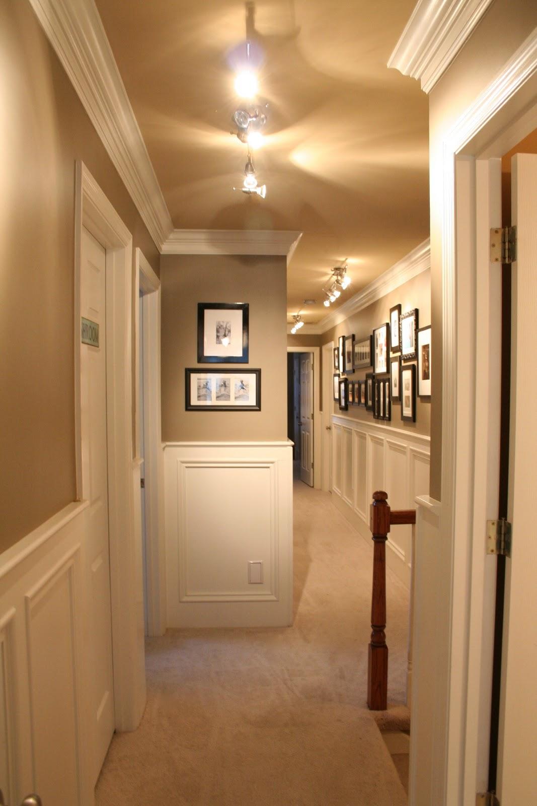 Отделка коридора панелями декоративными