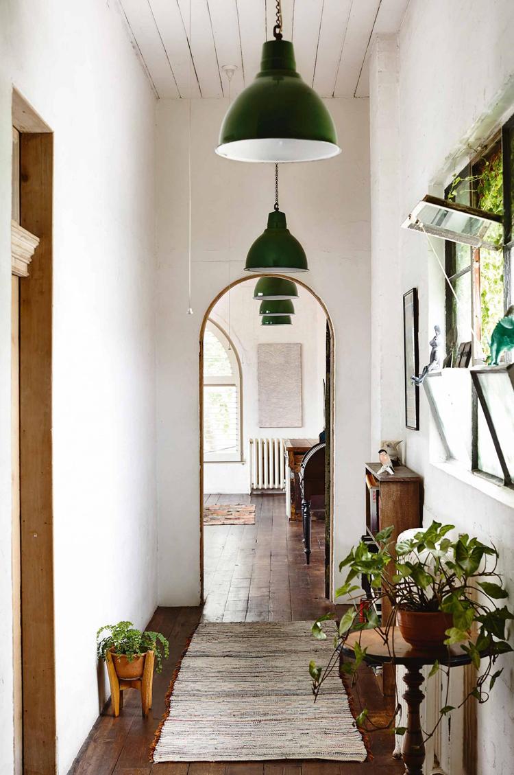 Дизайн коридора с аркой в стиле эко