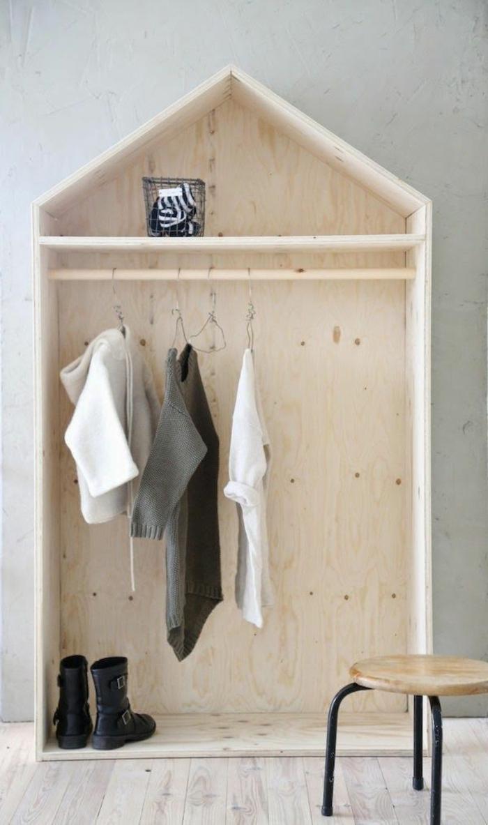 Эконом дизайн детской комнаты со шкафом из фанеры