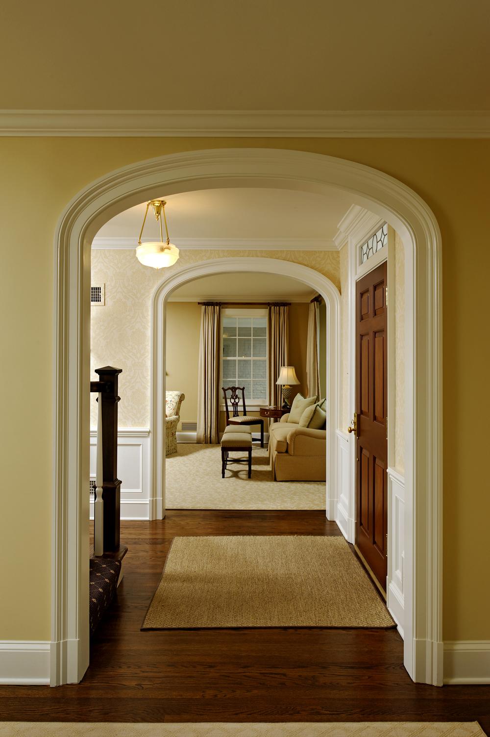 Дизайн коридора галереи с аркой