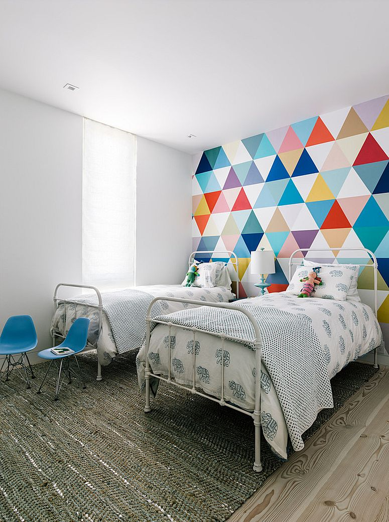Эконом дизайн детской комнаты с геометрическим рисунком