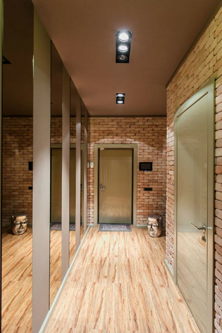 Отделка коридора панелями под кирпич