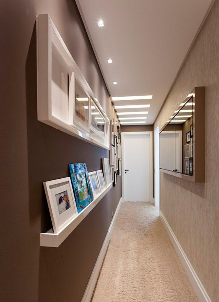 Коричневый цвет в интерьере коридора