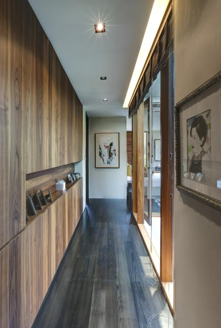 Отделка коридора панелями ламинированными
