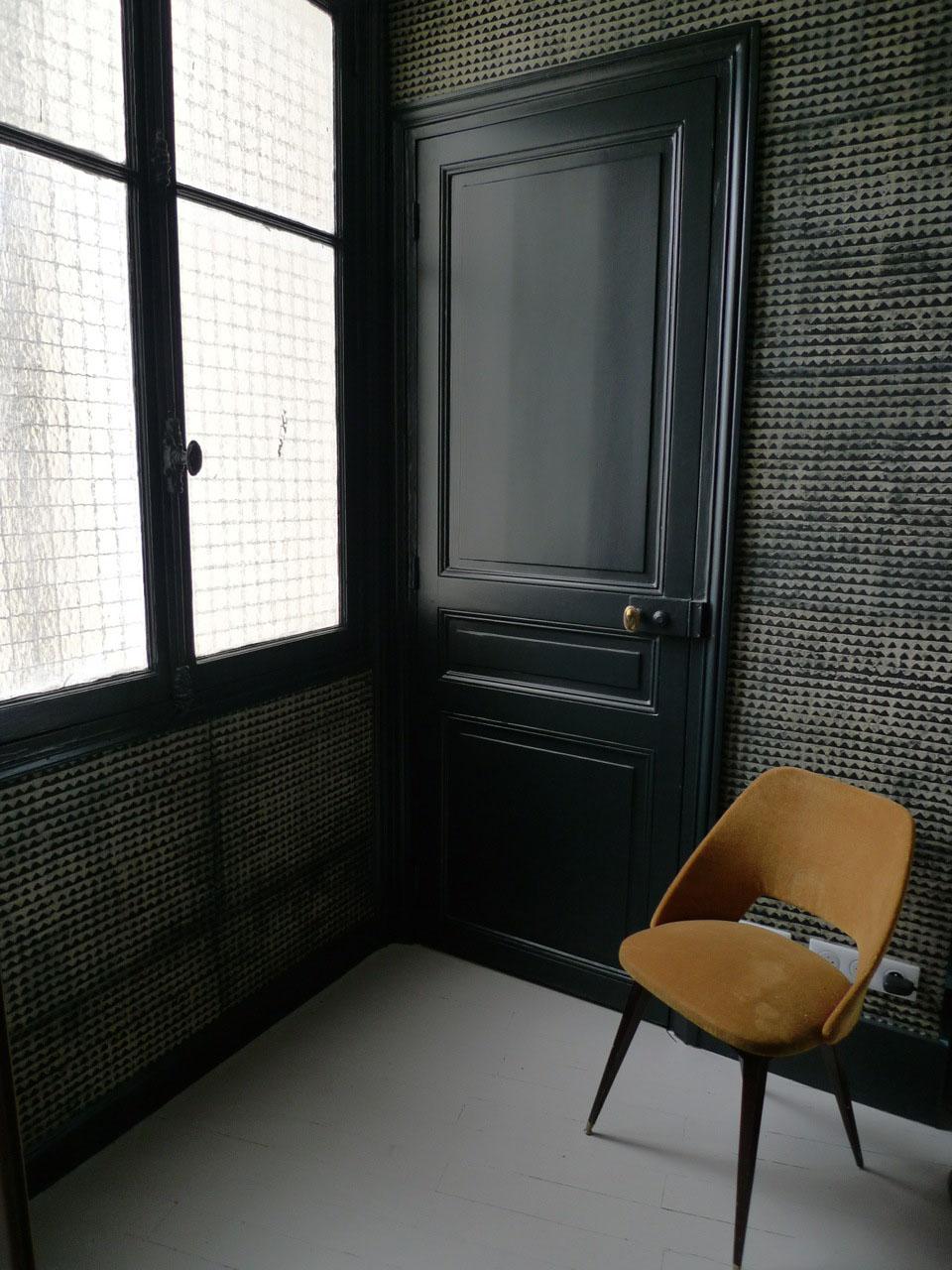 Отделка коридора обоями лофт