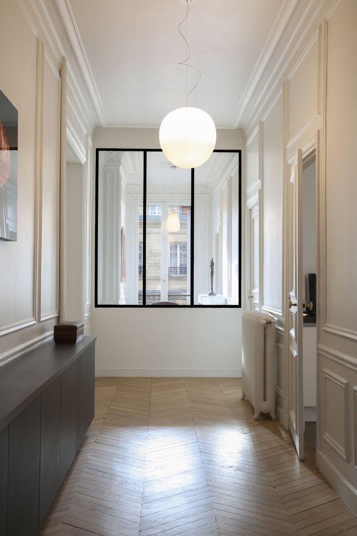 Отделка коридора панелями в стиле модерн