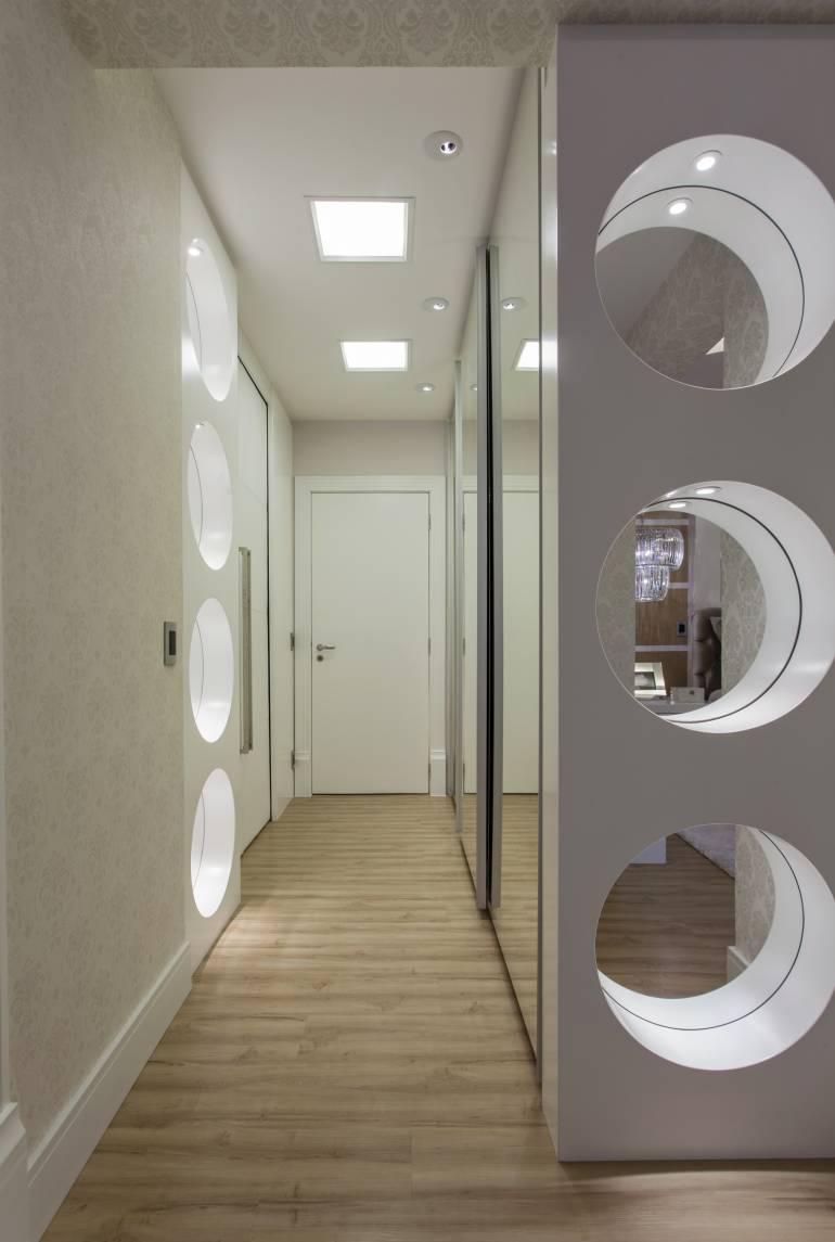 Подсветка в интерьере коридора