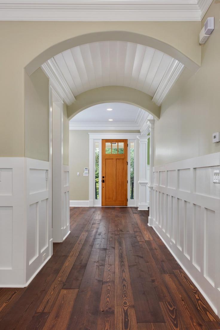 Отделка коридора панелями широкими