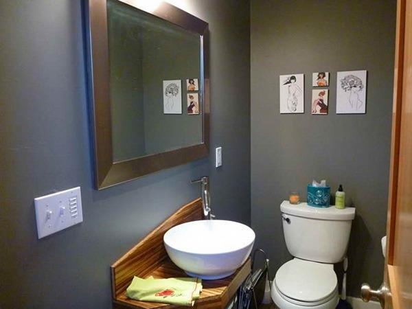 Туалет с зеркалом
