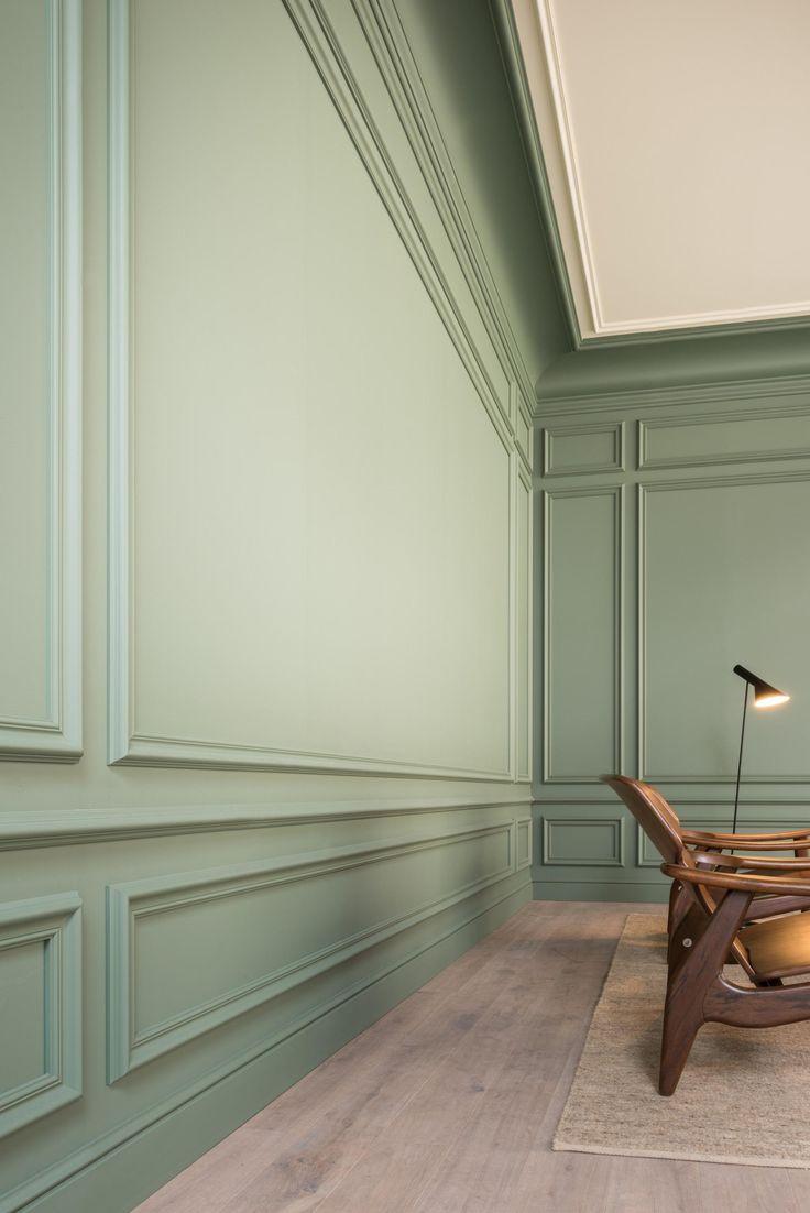 Отделка стен коридора панелями зелеными