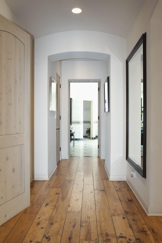 Зеркала в интерьере коридора