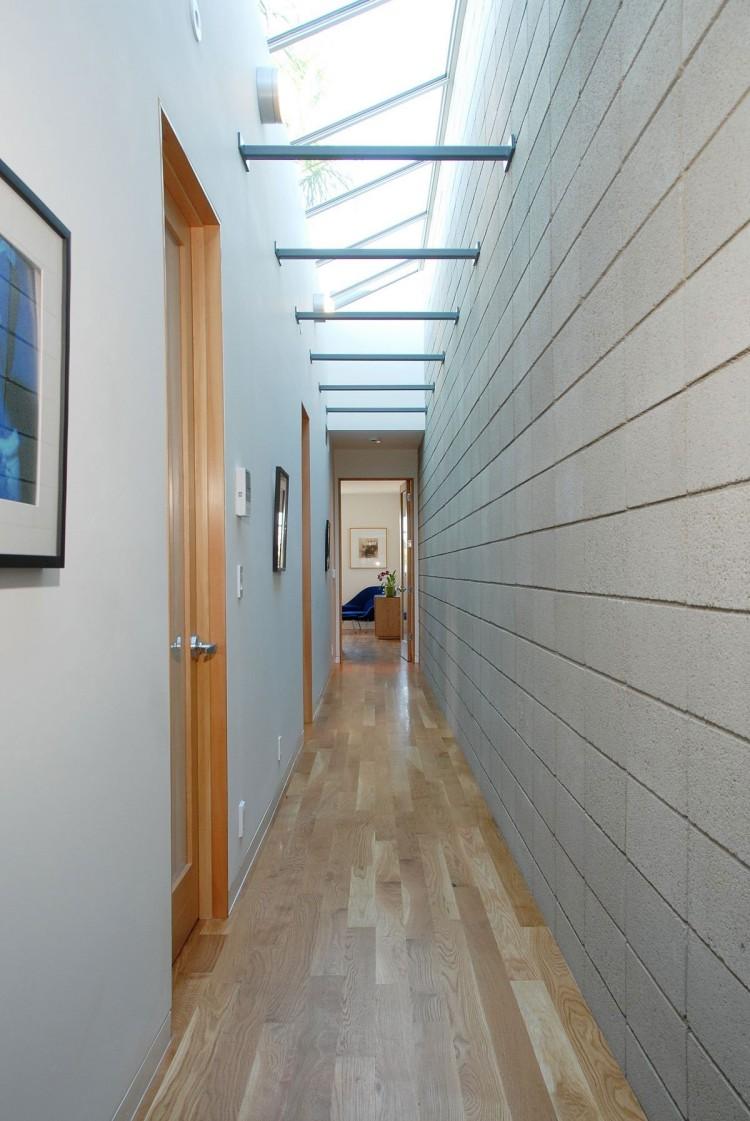 Отделка стен коридора панелями звукоизоляционными