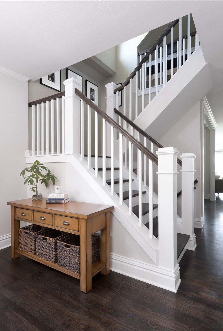 Дизайн коридора с лестницей большой