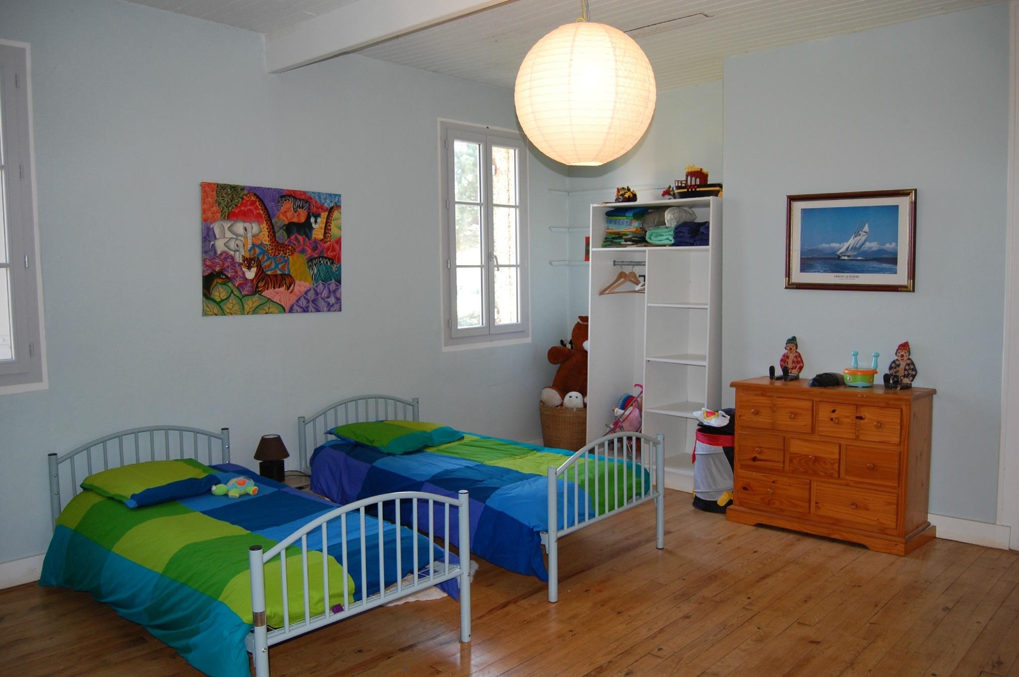 Детская комната для двух мальчиков большая