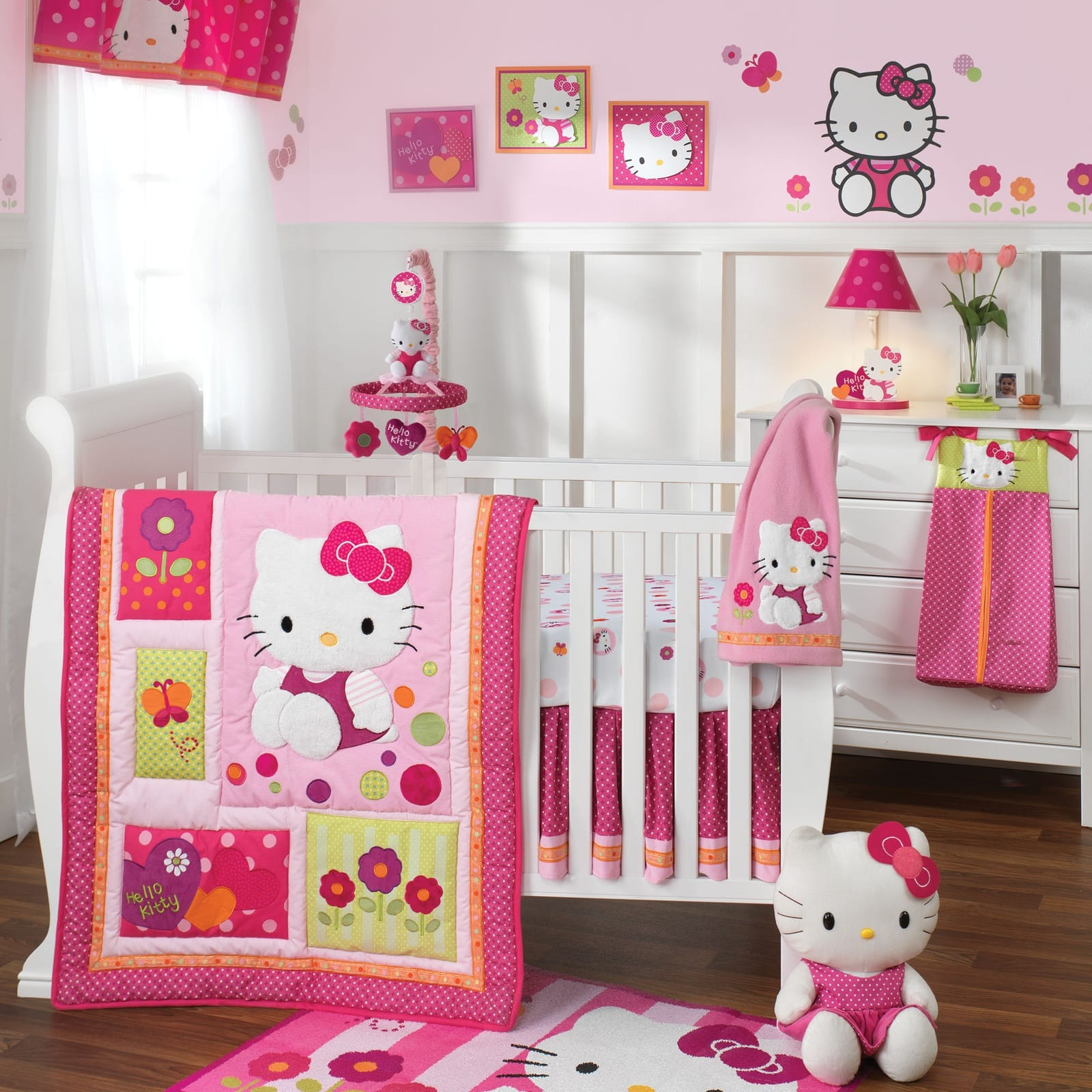 Декор детской кроватки Hallo Kitty