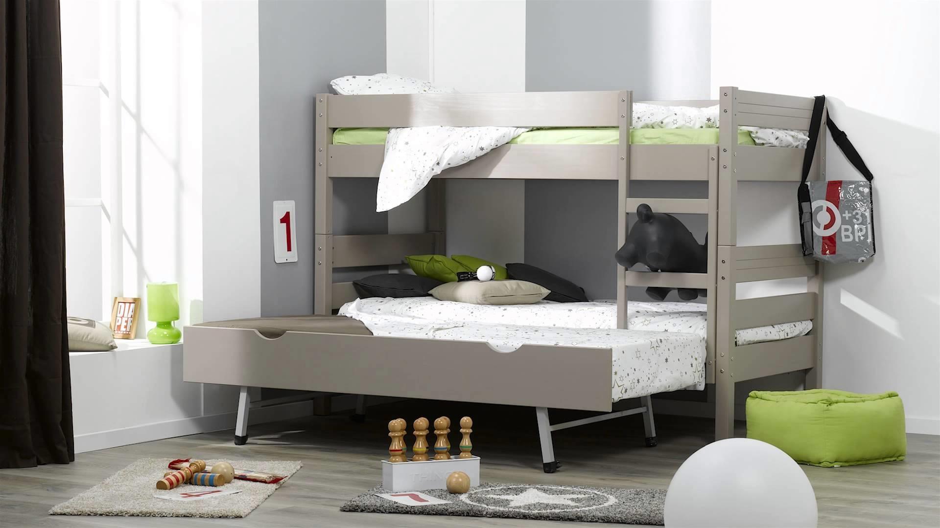 Кровать трансформер в детской для троих