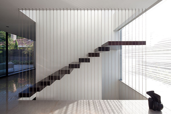 Дизайн коридора с лестницей