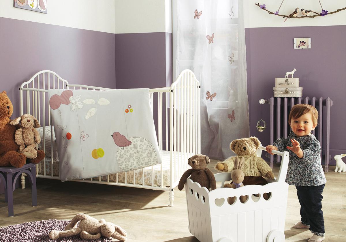 Декор детской кроватки металлической